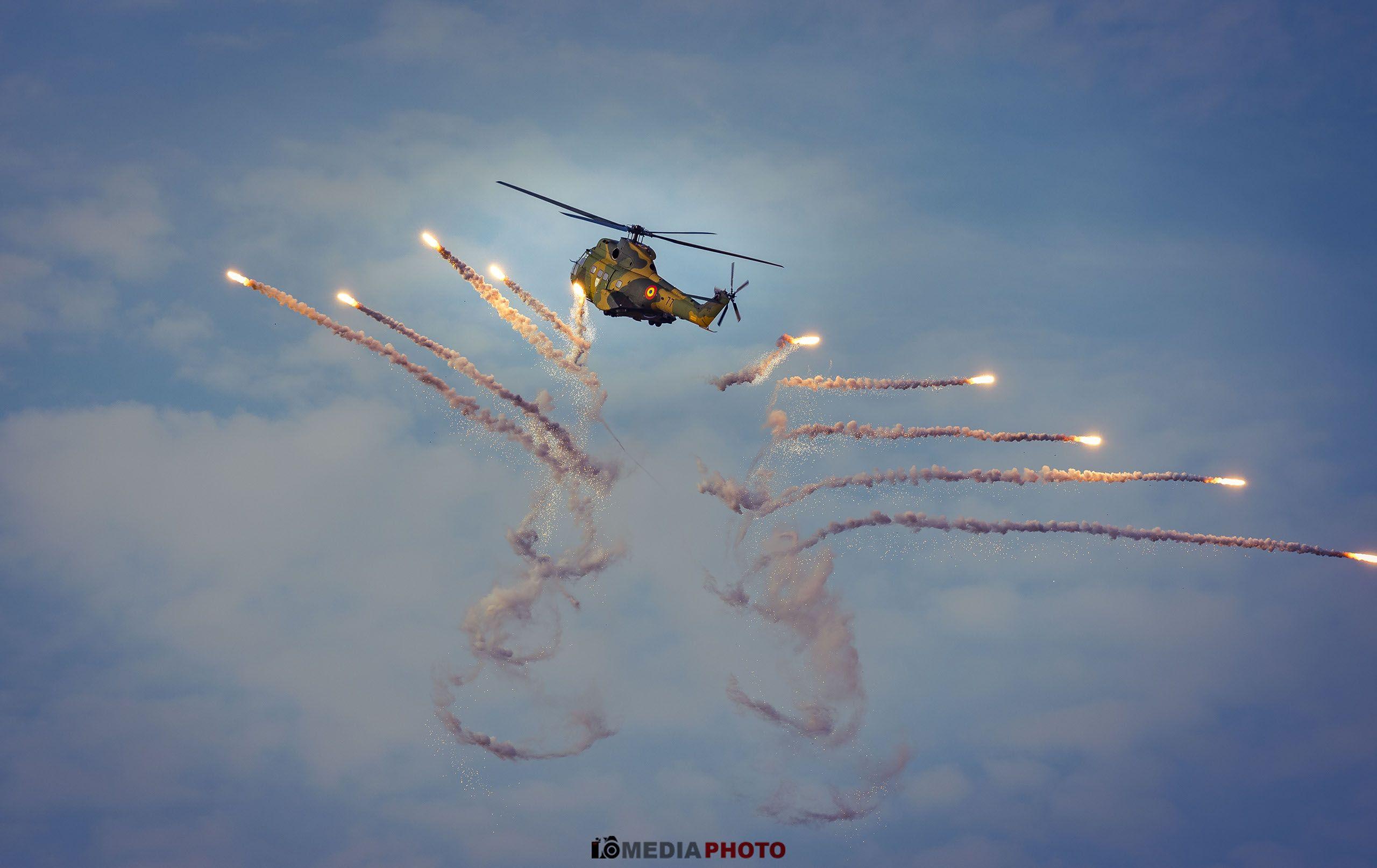 avion lupta foc contramasuri elicopter