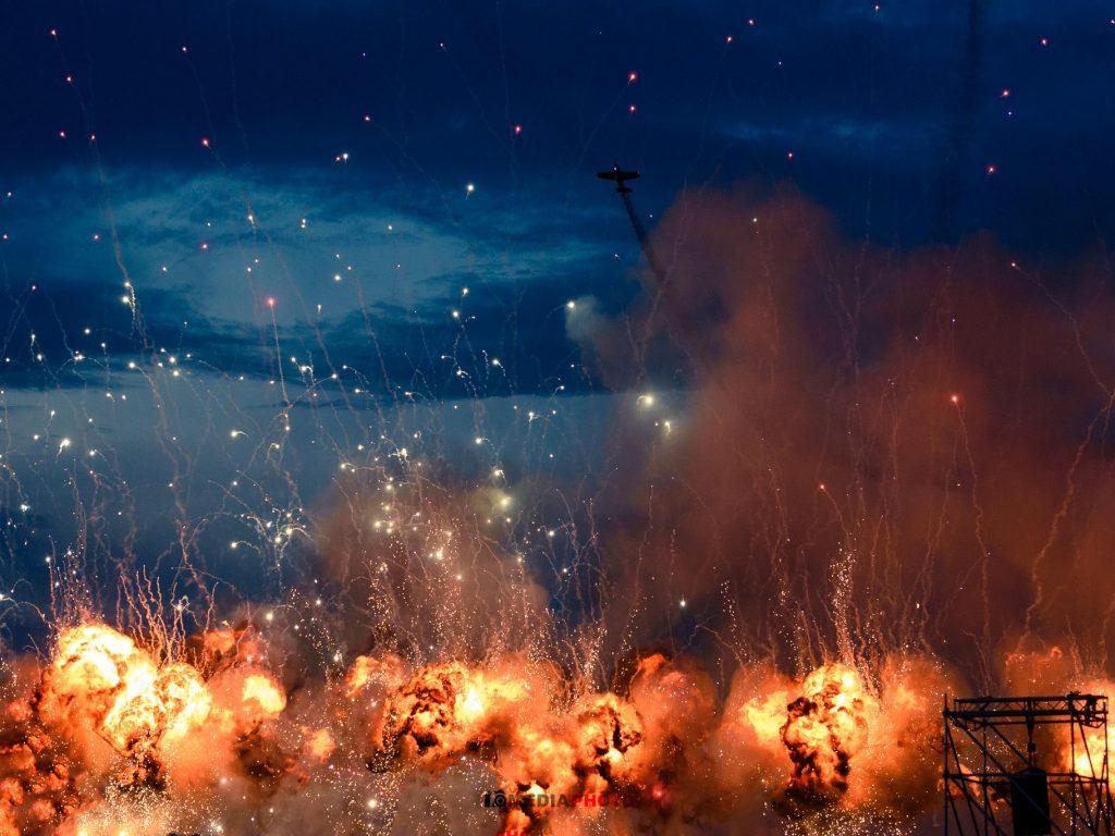 fotografie eveniment mediaphoto explozie explozii foc napalm seara