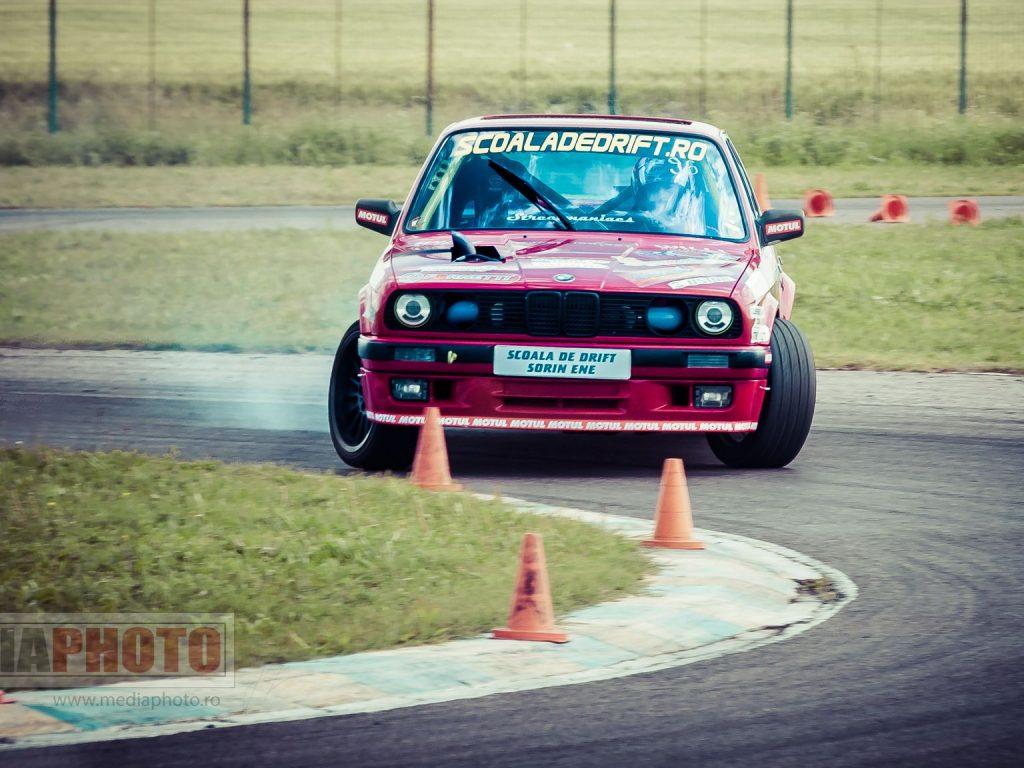 fotografie sportiva auto rally raliu drift bmw slalom pista